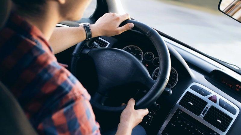 Memilih Asuransi Mobil Terbaik - Cover