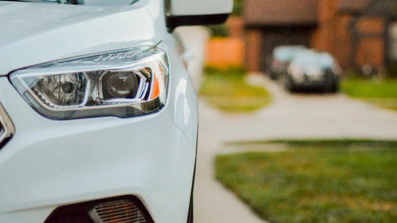 Cara Klaim Asuransi Mobil Lecet - Mobil Putih