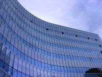 Jenis dan Peran Perusahaan Asuransi - Cover
