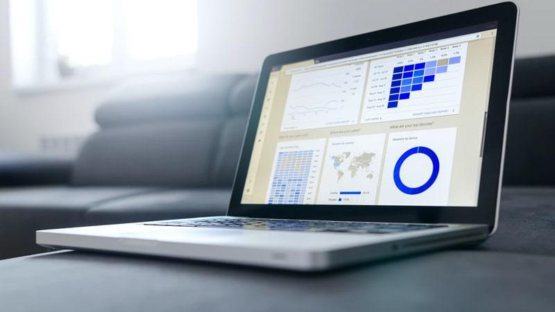 Jenis dan Peran Perusahaan Asuransi - Laptop