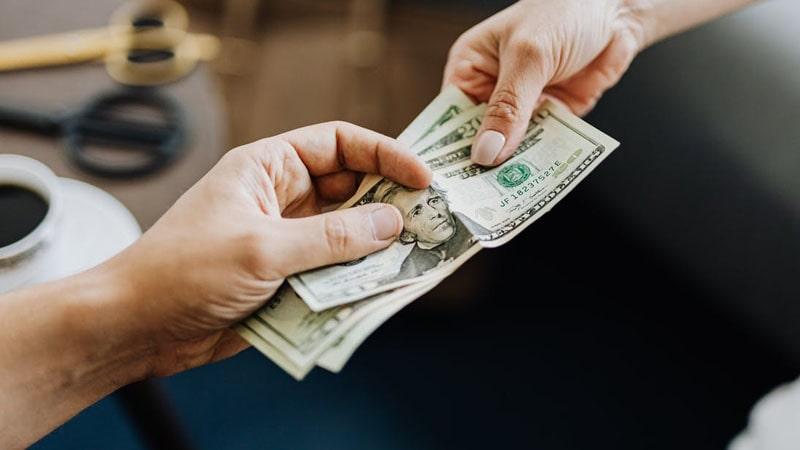 Manfaat Menabung di Bank - Pinjaman