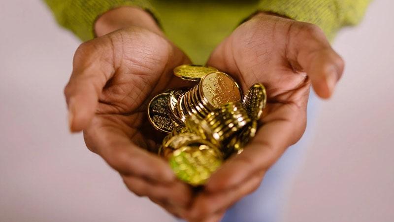 Keuntungan Menabung Emas di Pegadaian - Koin Emas