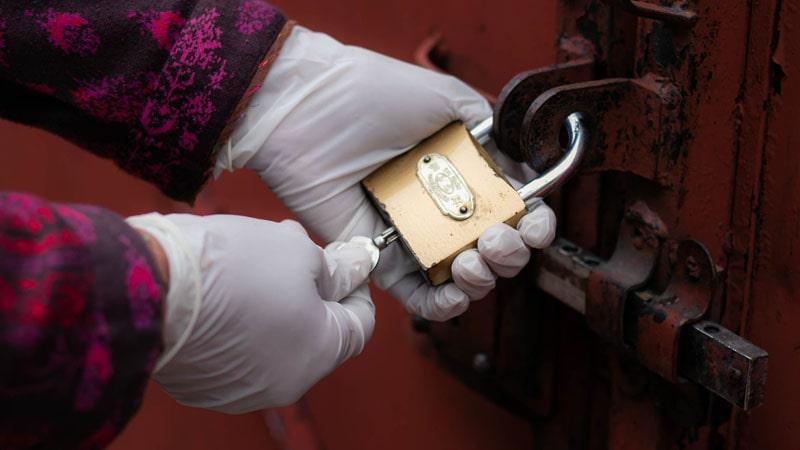 Cara Menabung Emas di Rumah - Gembok