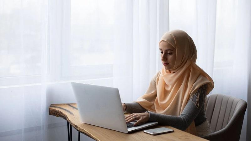 Cara Menabung Tabungan Haji di BRI - Laptop